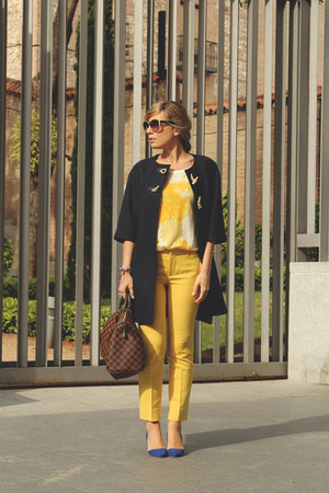 Zara t-shirt - whiz coat - Louis Vuitton bag - Zara pants - Lefties heels