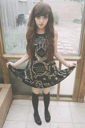 silver harry potter Etsy necklace - dark gray Hot Topic dress