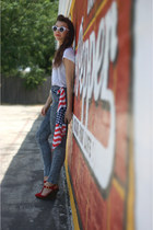 UrbanOG shoes - GoJane jeans - girlprops sunglasses