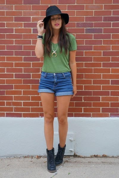 Nordstrom hat - green Old Navy shirt