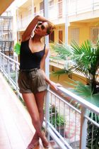 black Stradivarius shirt - green BLANCO shorts