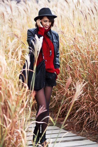 red Mango jumper - black BLANCO jacket - black BLANCO shorts