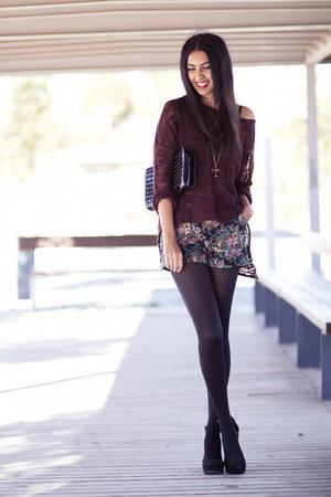 crimson Sommes démode shorts - crimson Zara jumper