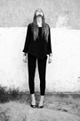 Black-second-hand-blouse-black-no-name-pants-black-f-f-heels