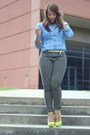 Army-green-f21-jeans-periwinkle-gap-shirt-yellow-urbanog-heels