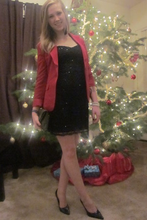 black dress - red blazer - black heels
