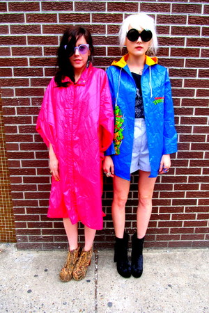 bubble gum members only some velvet vintage cape