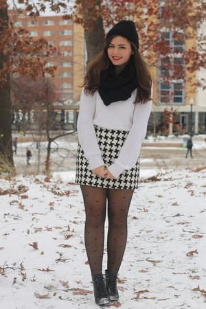 black H&M boots - white Aeropostale sweater - black OASAP tights