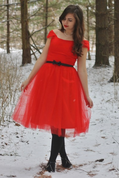 red Edressy dress