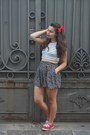 Red-keds-shoes-white-aeropostale-shirt-black-aeropostale-skirt