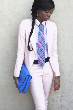 light pink Zara blazer - white H&amp;M shirt - blue clutch Zara bag - light pink Zar