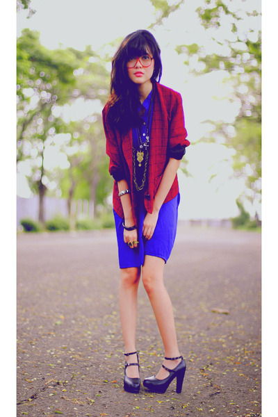 red thrifted blazer - blue dress - black wimo shoes