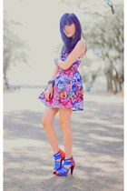hot pink full-printed Topshop dress - blue red blue Gitchy heels