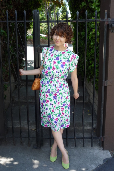 purple vintage dress - green BDG shoes - brown vintage purse - beige vintage ear