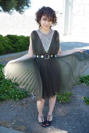 green vintage dress - black vintage belt - black shoes - black armani
