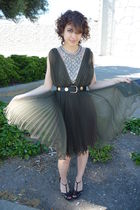 green vintage dress - black vintage belt - black shoes - black armani