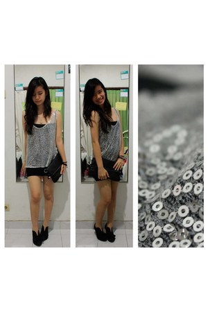 silver sequined Vintage Treasure top - black Mango top - black Alice boots