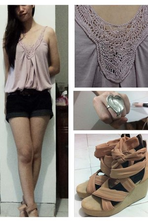 nude june and julia wedges - light pink knitted top - dark gray Forever 21 pants