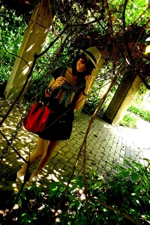from sisters shop dress - longchamp purse - candle boutique hat - H&M sunglasses