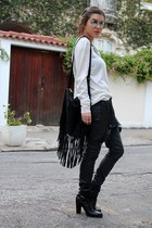 black Renner boots - white Riachuelo sweater - black Love D bag