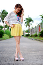 heels - skirt - blouse