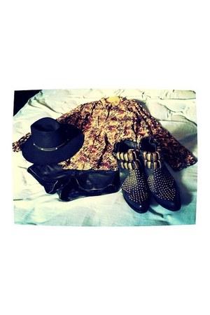 black Jeffrey Campbell boots - black thrifted vintage hat