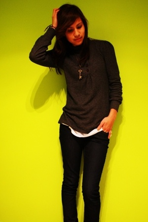 UO top - shirt - Mango necklace - H&M jeans - moms boots