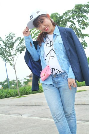 bubble gum H&M bag - sky blue JJeans jeans - white Forever 21 t-shirt