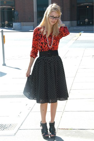red leopard print H&M blouse - black aliceolivia belt - black polka-dotted H&M s
