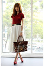 Dark-brown-burberry-bag-ruby-red-steve-madden-pumps-white-asos-skirt
