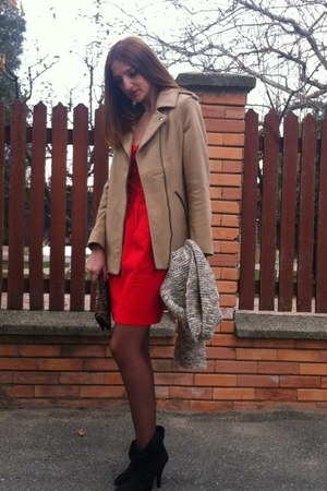 mustard new look coat - ruby red Local store dress