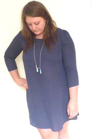 navy chiffon tunic Monki dress - turquoise blue Stone The Moon necklace