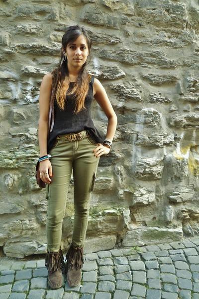 black H&M vest - dark brown Jigsaw boots - dark khaki Primark jeans