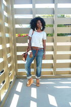 gray Zara t-shirt - brown Zara belt - blue lucky jeans - brown Jeffrey Campbell