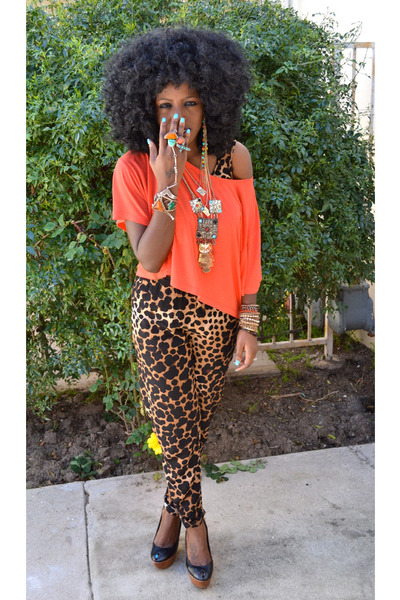red H&M shirt - dark brown Leopard Jump suit