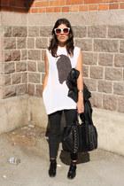 black leather Zara jacket - black studded Zara bag - ivory no brand sunglasses