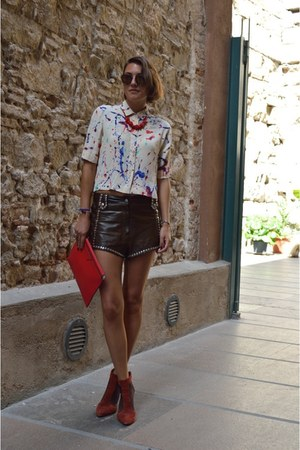 cream printed Zara blouse - red clutch Zara bag