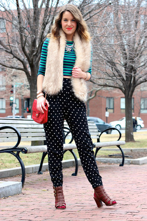 black polka dot Forever 21 pants - beige faux fur H&M scarf