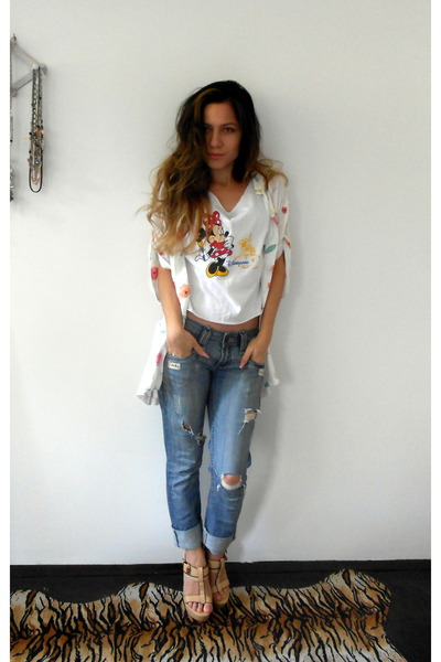 boyfriend jeans jeans - minnie crop top Disneyland top - beige Republic sandals
