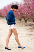 navy silk Michael Stars jacket - white printed PacSun shorts