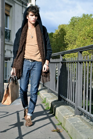 camel cork  leather Lumi bag - navy Lee jeans - dark brown mohair Balmuir scarf