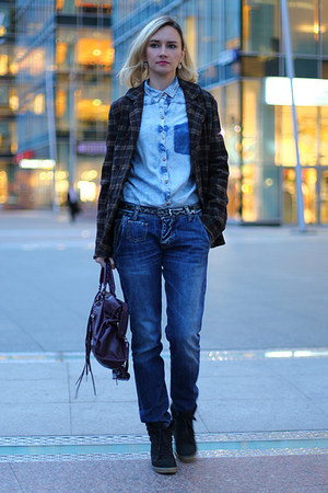 Two women in the world jeans - JNBY jacket - Zara shirt - balenciaga bag