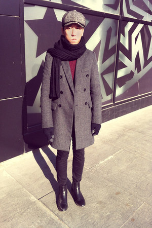 heather gray wool UrbanRenewal coat - black chelsea boots Zara boots