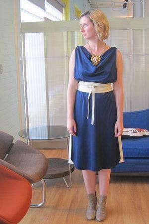 blue vintage dress - beige vintage belt - brown ModClothcom boots - gold vintage