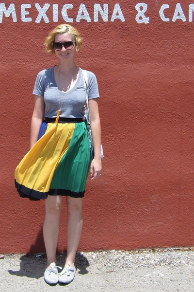 aa t-shirt - vintage skirt - ModClothcom shoes