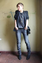 gray H&M shirt - gray Hallhuber jeans - black vintage shoes - vintage accessorie