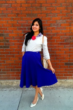 blue midi vintage skirt - blue Forever 21 shirt - red flower pin H&M accessories