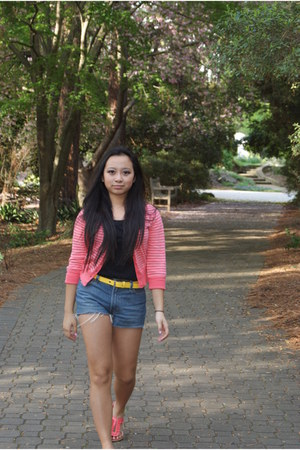 salmon Old Navy sweater - thrifted shorts - black tank top Old Navy top