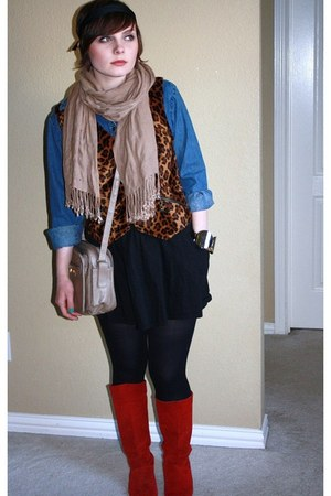 red suede boots - tan scarf - tan bag - black stockings - leopard vest - denim s