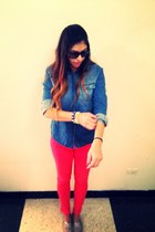 hot pink Forever 21 jeans - blue Urban Outfitters shirt - ivory H&M sneakers